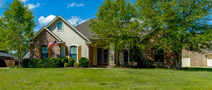 1773 Turning Leaf Haughton, LA 71037
